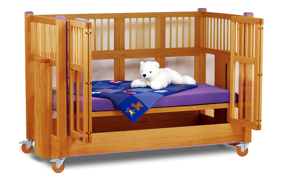 Tom special needs cot