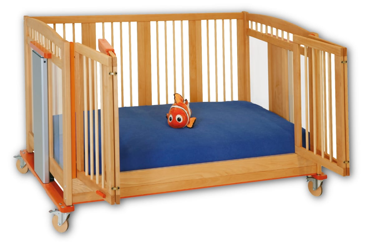 Savi Knut - Child Care Cot