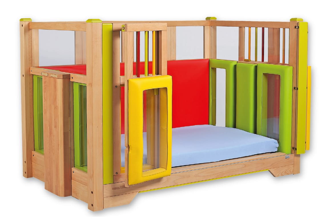 Savi Tom - Child Care Cot